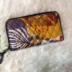 BRAND NEW! VERA BRADLEY Accordion wallet